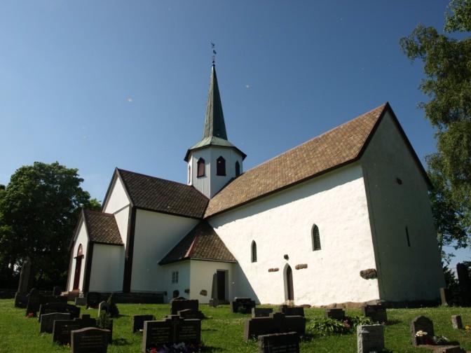 Lunner Kirke, Hadeland